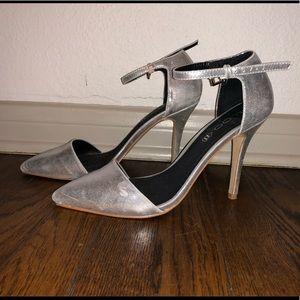 Aldo Silver Leather Closed Toe